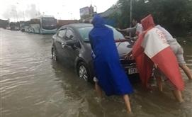 PTI hỗ trợ khách hàng khắc phục thiệt hại do ngập lụt tại thành phố Vinh