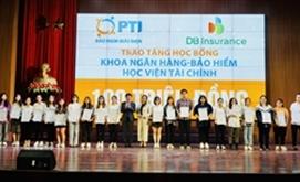 PTI trao tặng 100 triệu học bổng cho sinh viên Học viện tài chính